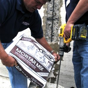 High-strength structural repair mortar mix